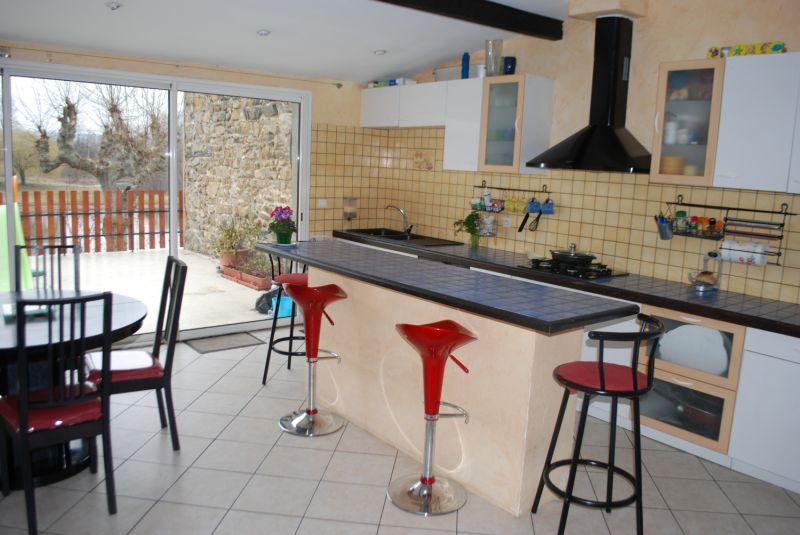 Maison vendre au sud de lyon et de vienne maison for Transformer garage en cuisine